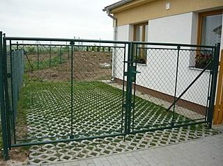 Brána OKO, výška 125 cm, šířka 400 cm